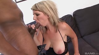 Fine cock sucking skills the blonde beauty has