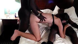 Two black guys fuck girl down front of husband