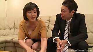 Mature Asian Enshiro Hitomi unexceptionally knows how to mouth a prick