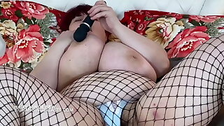 Big tits Mom with very queasy pussy