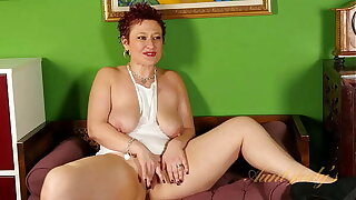 AuntJudys - Thick Redhead MILF Scarlett shares her fantasy with you (AJ Classics)