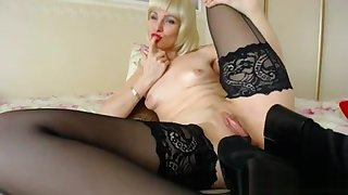 Blonde Mature Simian Her Leg up on Live Cam