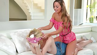 Gorgeous Abigail Mac gives a good back massage and she loves being eaten overseas