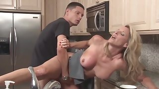 Stepson with monster blarney fucks his adult stepmom in the kitchen