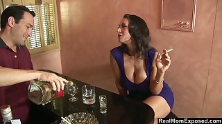 Curvy mature woman Persia Monir ends alongside fucking a bartender