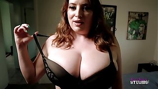 Thick Dissemble Mom with Huge Soul Catches Me Jerking Off - Maggie Untried