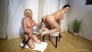 Blindfolded brunette teen pleasured by her blonde roommate