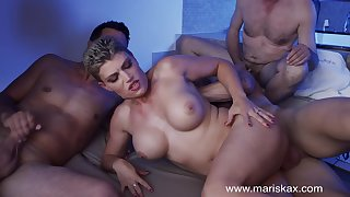 MILF Valentina Babe fucks three guys