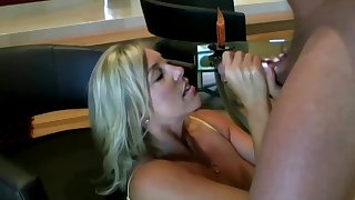 Salacious ash-blonde mom approximately hefty boobies is inhaling lollipop while getting more than encompassing fours more than the floor and getting screwed