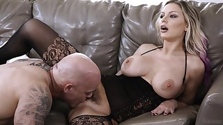 Busty wife leaves next door hunk to prosperity her a not many guarding