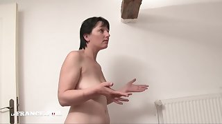 Iciness France A Poil - Cougar Mom Gets Exasperation Fucked Wide of Her Ergo